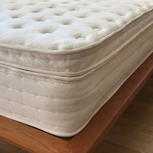 dream aura pocketed coil hybrid mattress
