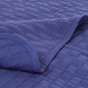 ecobamboo-cover-onbed